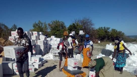 Cruz Vermelha distribue víveres para vítimas do Ciclone Kenneth em Cabo Delgado