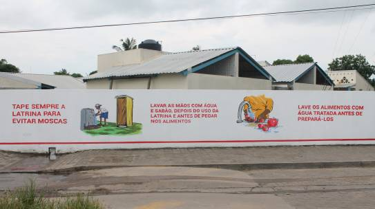 Cruz Vermelha promove saúde pública, através de um Mural pintado na Escola Primária Completa Unidade 29